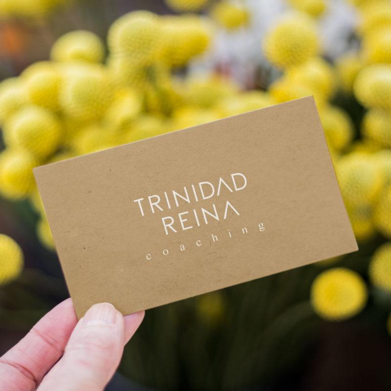 Diseño tarjeta Trinidad Reina Coaching
